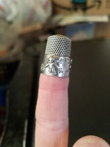 Antique Simons Bros Sterling Silver Thimble Cupid Cherubs Flowers Leaves C1910s