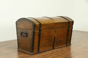 Dome Top Antique 1830 Oak Trunk Or Pirate Chest Iron Bindings 31010