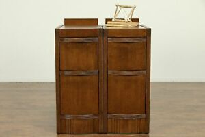 Art Deco Pair Of 1940 Vintage Oak Nightstands 31029