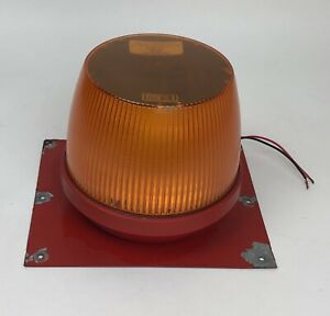 Vintage Whelen Heavy Duty Professional Strobe Light 61465 Amber Tow Security