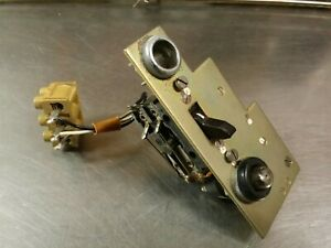 Vtg Rohde Schwarz Panel 250 Vac 4a Power Toggle Switch With Dc Indicator Lamp