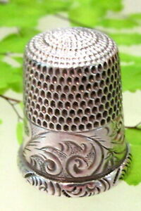 Antique Sterling Simons Brothers Thimble With Fern Design