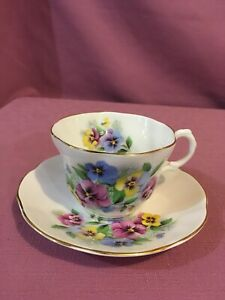Rosina Queens England Fine Bone China Floral Bouquet Tea Cup And Saucer Set N