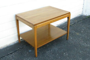 Mid Century Modern Walnut Side End Table By Lane Furniture 9270