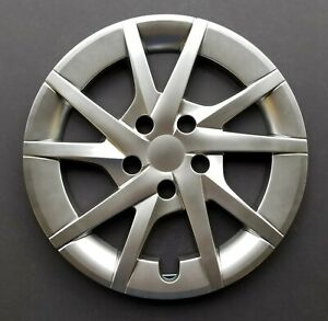 One New Wheel Cover Hubcap Fits 2012 2017 Toyota Prius V 16 Hyper Silver