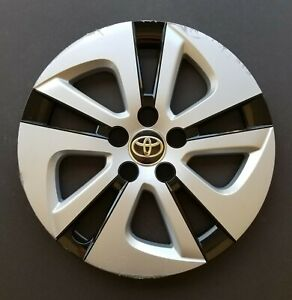 One Wheel Cover Hubcap 2016 2019 Toyota Prius 15 61180 Silver Black Used