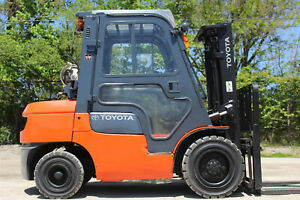 Toyota 7fgu32 6500lb Pneumatic Tire Forklift Hi Lo Lift Truck Two Stage Toyota