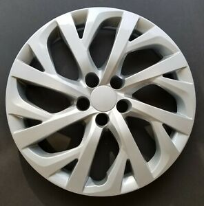 One New Wheel Cover Replacement Fits 2017 2018 Toyota Corolla 16 Inch Silver