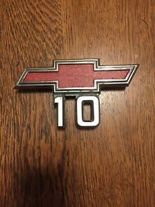 1967 1968 Chevrolet Truck Half Ton Pick Up C10 Original Gm Fender Emblem