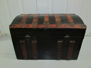 19th Century Relined Small Humpback Trunk Metal And Oak Local Pickup Wpb Fl
