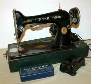 Antique Electric Singer Sewing Machine Model 66 With Foot Pedal