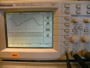 Tektronix Tds220 2 Channel 100mhz 1gs s Digital Real time Oscilloscope