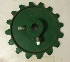 J 16 A New 16 Tooth Sprocket 5 8 For The Fertilizer Drive On Cole Planters