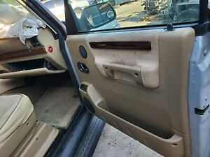 1999 2000 2001 2002 2003 2004 Land Rover Discovery Ii Right Front Door Panel Tan