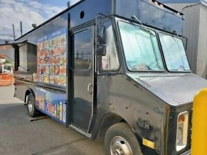 Freightliner P30 Used Food Truck Mobile Kitchen For Sale In New York