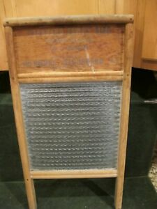 Vintage Crystal Cascade Standard Family Size Heavy Glass Washboard No 2080