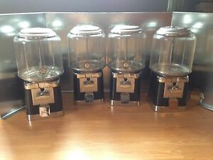 Four Beaver Black And Chrome Gumball Candy Bulk Vending Machine 4lock And 1key