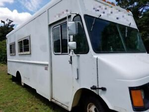 2004 Used Mobile Kitchen Food Truck For Sale In Florida