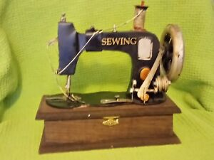Antique Vintage Sewing Machine Wooden Trinket Box 787grms Rare Collectable