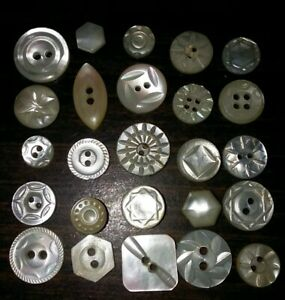 Lot 25 Antique Mother Of Pearl Mop Buttons Nicely Carved Small