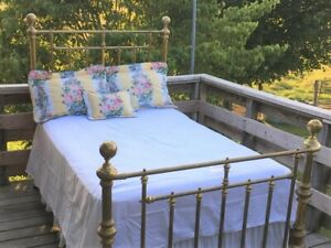 Antique Cottage Brass Bed Full Size