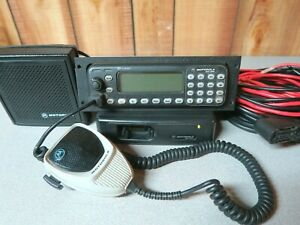 Motorola Mcs2000 M01ugn6pw6bn 800 Mhz Radio With Remote Head Cable Mic Speaker
