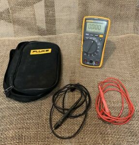 Fluke 117 Digital True Rms Multimeter With Non contact Voltage Good Condition