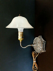 Vtg Mid Century Cut Glass Light Wall Sconce Electric Frosted Clip On Shade Lamp
