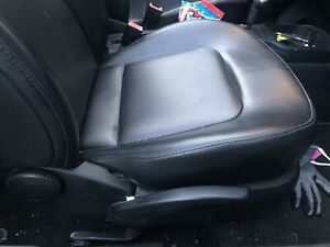 2006 2010 Volkswagen Beetle 2 5 2 5l Front Right Seats Leather Black
