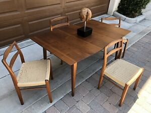 Mid Century Modern Walnut Dining Table 4 Danish Teak Dining Chairs