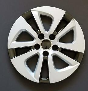 One New Wheel Cover Hubcap Fits 2016 2017 Toyota Prius 15 Silver Black 5 Spoke