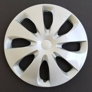 One New Wheel Cover Hubcap Fits 2012 2014 Toyota Prius C 15 Silver 8 Spoke
