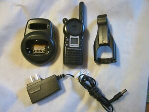 Motorola Vl50 Two Way Portable Radio With Charger New Battery And Belt Clip