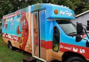 2006 Ford E350 Kitchen Food Truck With Hotdog And Shaved Ice Equipment For Sale