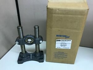 New Boston Gear Adjustable Shaft Support Mounted Bearing 1 1 4 Bore 07028