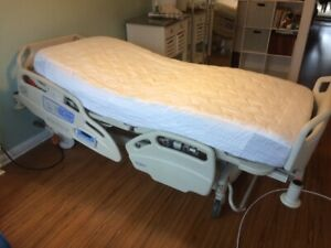Hill rom Careassist Es Hospital Bed Pre owned