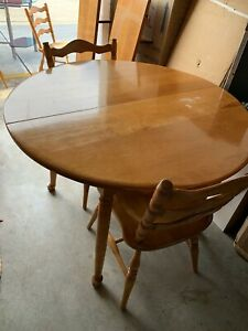 Genuine Cushman Colonial Dining Room Set 42 Round To Oval Two Leaves