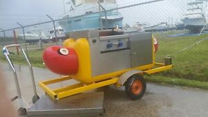 Classic Hot Dog Shaped Food Vending Cart For Sale In Florida