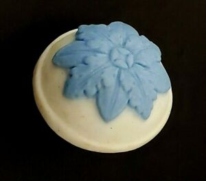 Antique Vintage Porcelain Button Wedgwood Marked Classic Blue White