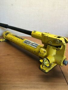 Enerpac P39 Hydraulic Hand Pump With Hose