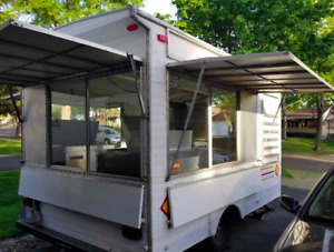 Well maintained 8 5 X 17 Concession Trailer Used Mobile Food Unit For Sale