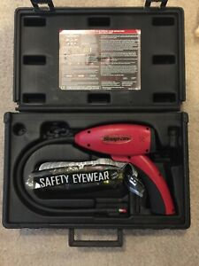 Snap On Tools Electronic Leak Detector W blue Light Act755