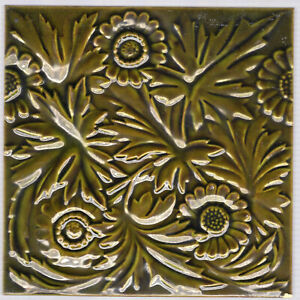 William Godwin Sons C1885 Green English Daisies Antique Victorian Tile