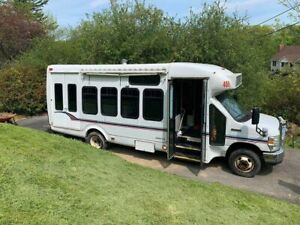 Spacious And Very Clean 2008 Ford Food Truck Bus Used Kitchen On Wheels For Sa