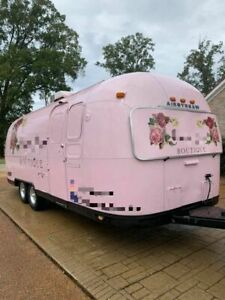 Very Clean And Roomy 8 X 28 Airstream Mobile Boutique Trailer used Pop up Bout