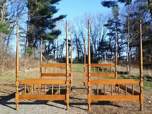 Vintage Pair Solid Cherry Twin Single Spindle Poster Beds Moosehead Furniture