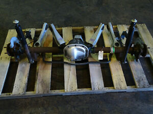 99 00 01 02 03 04 Ford Mustang V8 8 8 Rearend Axle Assembly 3 27 Gear 106