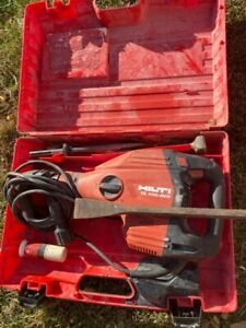 Hilti Demolition With Case And 4 Chucks