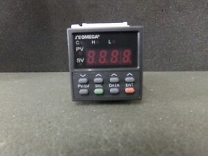 Omega Programmable Temperature Controller Cn4421trd1 W socket And Bezle