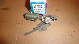 Nos 1948 68 Dodge Truck Mopar Ignition Lock Cylinder W Keys 2510742